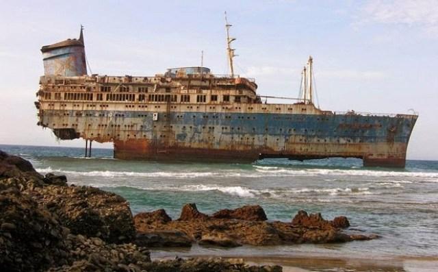 Αποτέλεσμα εικόνας για ναυαγια