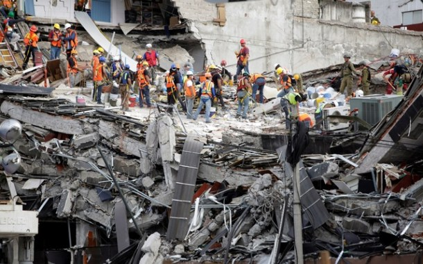 Death toll from Mexico earthquake climbs to 307