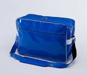 エナメルバッグのブルー