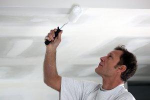 Боядисване на захабени стени по време на карантина