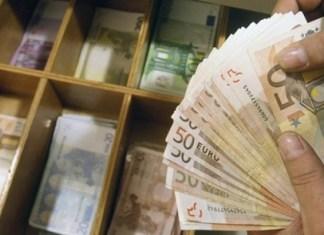ΑΑΔΕ : Μπαράζ ελέγχων για πάνω από 30.000 εκκρεμείς υποθέσεις – 2 στους 3 φοροδιαφεύγουν