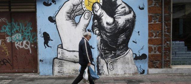 Σε δεινή θέση οι Έλληνες: 2 στους 3 δεν μπορούν τα βγάλουν πέρα – Το 61% αδυνατεί να εξοφλήσει έγκαιρα λογαριασμούς