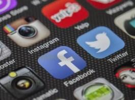 «Έπεσαν» Facebook, Instagram και WhatsApp - Τι απάντησε η εταιρία μέσω Twitter