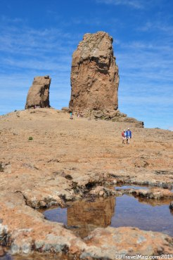 We are standing at the distinctive cliff formation Roque Nublo, approx 2.000 metres above sea level