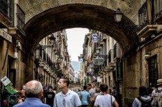 San Sebastián has an old, charming quarter with many historic buildings, a large selection of Pintxos bars and charming squares