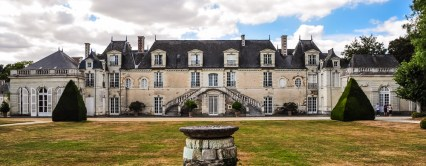 Château de la Lorie was built as a Renaissance castle in 1650 and was so luxuriously decorated, that the developer, René le Pelletier had to sell his castle to his son-in-law, Gabriel Constantin