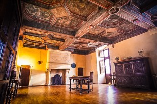 The ceiling of the guardroom was later painted over, because it was considered too bawdy - that's why the colours are still so vivid! Photo courtesy of Chateau Plessis-Bourré