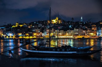 .. we love Porto in the Nighttime.. we love Porto in the Faaall...