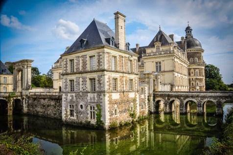 Château de Serrant is a light study in schist and tuffeau stone