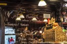 Sinuous woodwork, floral motifs, beautiful bar and classic Art Nouveau lamps