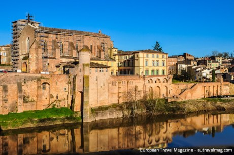 Just 20 km west of Albi you have the capital of a wine region with the same name: Gaillac