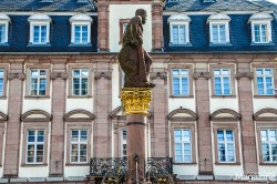 """Herkulesbrunnen"" - Hercules fountain in front of the Town Hall"