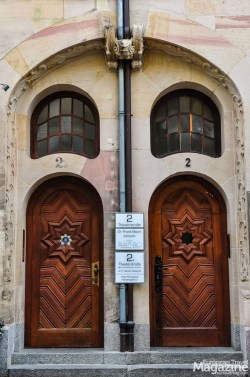 "Beautiful twin doorway in the ""Altstadt"""