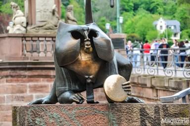 "The famous ""Brückenaffe"" (Bridge monkey) that every tourist want a photo of"