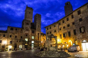 Piazza della Cisterna in the blue hours of the evening.