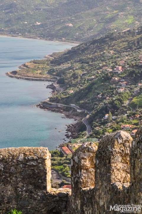 La Rocca is not just a very steep hike, it's also a natural Park and thus requires an entrance fee of 4€ per adult