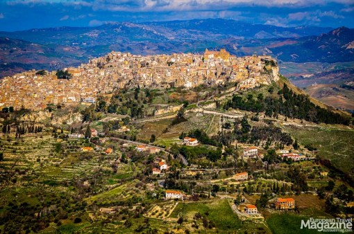From Enna you have a gorgeous view onto another hilltop town - that of Calascibetta