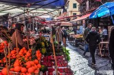 The really fun shopping is the authentic one: visiting the markets!