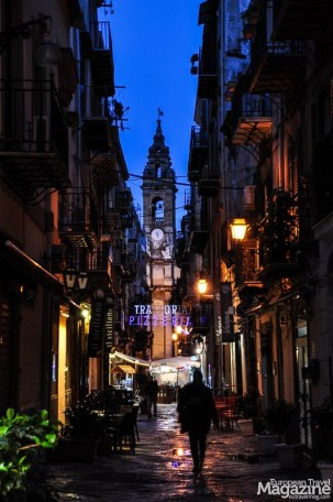 """An """"aperitivo"""" including drinks and tapas for 10€ in the area between Teatro Massimo and Via Roma is a great way to start off an evening"""