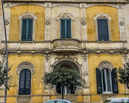 While Baroque is the dominant architecture in Lecce, we did come across this beautiful Art nouveau building just outside the historical centre