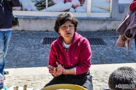 Julieta Alves explains the history of the Pinela pottery and her craftsmanship