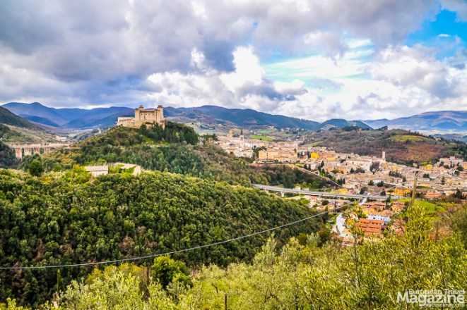 The castle that dominates the town, and indeed the whole valley, is Rocca Albornoziana