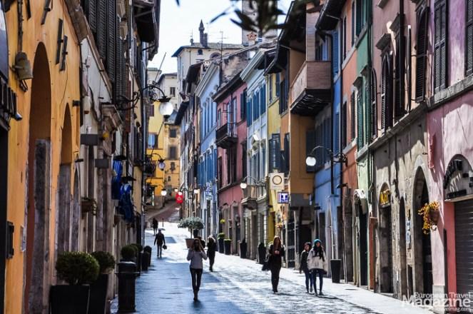 Continue to explore yet another shopping street, Corso Giuseppe Garibaldi
