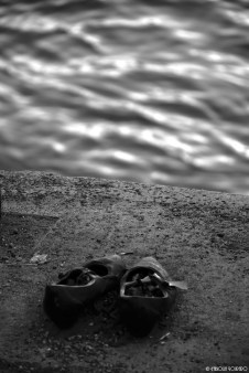 """A woman's shoe on the """"Shoes on the Danube Bank"""" memorial"""