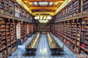 Whether the libraries of Rome are Renaissance or Baroque, of religious or secular origin, they are all beautiful containers of centuries of wisdom