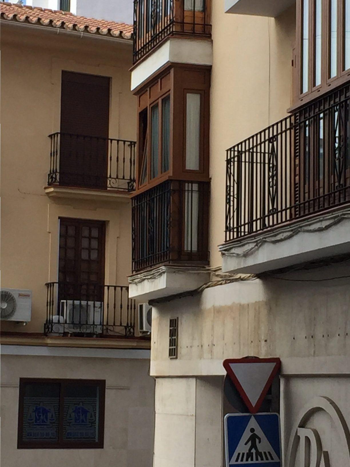 Cierre de Balcón en Vivienda de Málaga