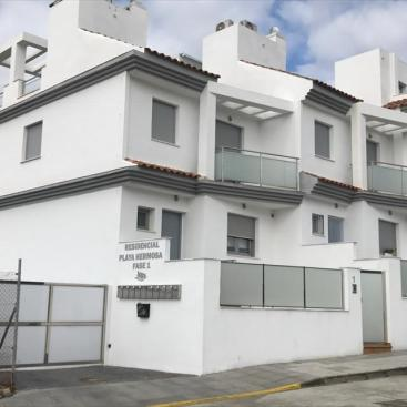 Instalación de Ventanas de PVC en urbanización de Costa de Málaga