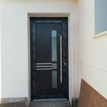 Puerta de entrada en PVC de alta eficiencia energética