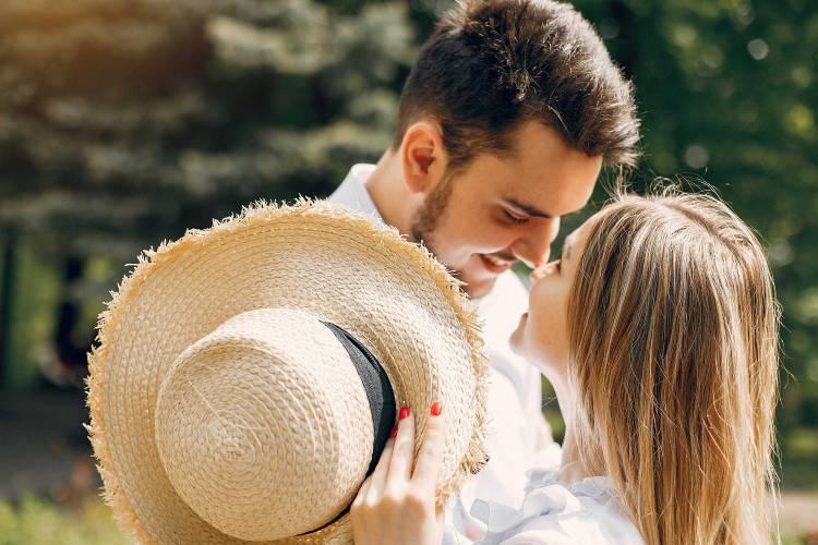 10 علامات تدل على وقوع رجل برج العذراء في الحب احكي