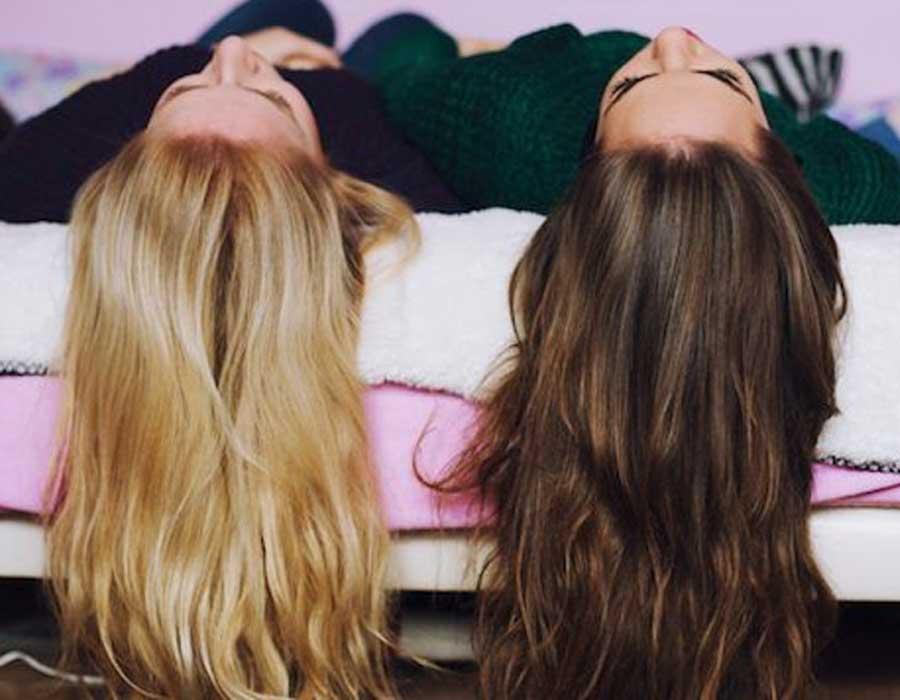 طريقة عمل صبغة الشعر في المنزل وكيفية العناية به احكي