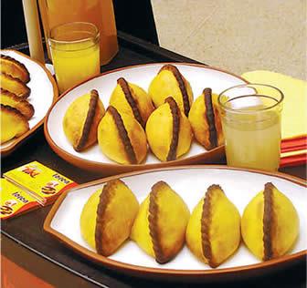 Saltea boliviana una de las mejores comidas callejeras del mundo