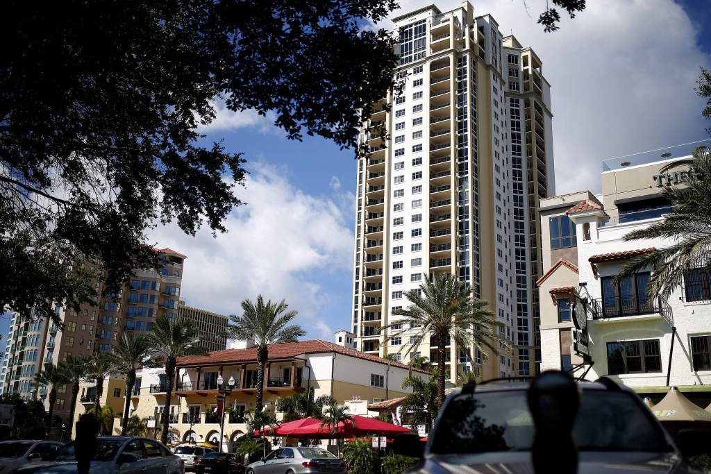 Parkshore Plaza Condominiums And City Homes For Sale In