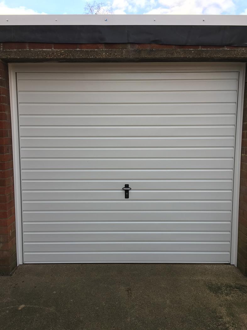 GARAGE DOOR REPAIRS ESSEX  EAST ANGLIA