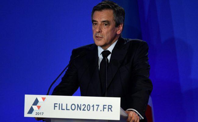 France S Fillon Apologises For Expenses Scandal But