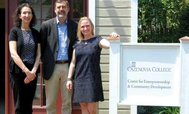 New center for entrepreneurship, community development assistance open