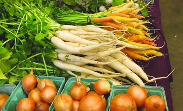 Winter farmers market returns to Baltimore Woods