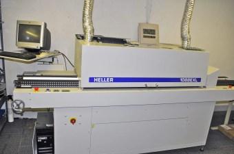 Reflow Oven Heats Solder Paste