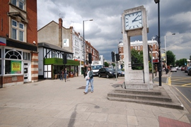 Uxbridge Road at Hanwell clock tower junction