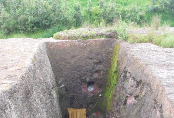 Case-dei-monaci-Lalibela-Etiopia-alto