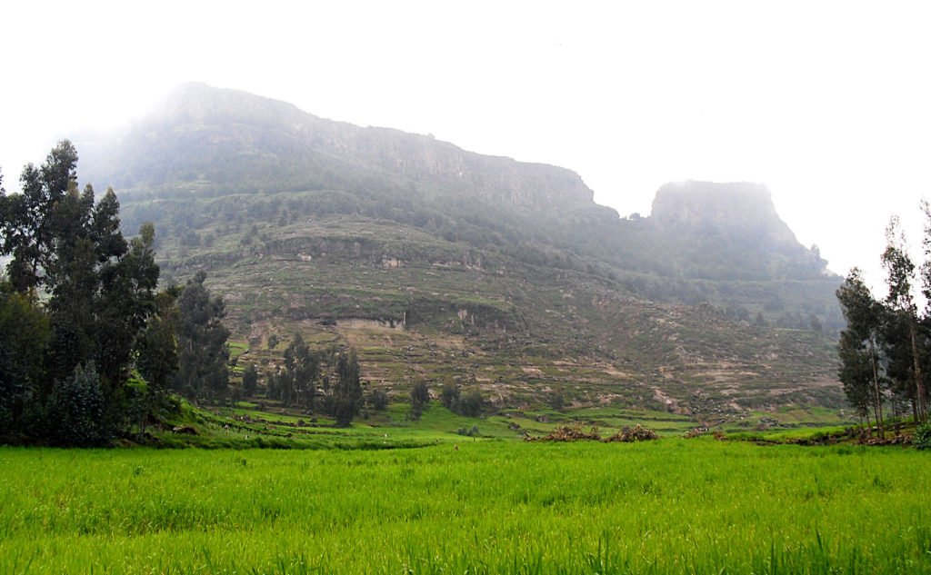 Montagne-alle-porte-di-Lalibela-Etiopia