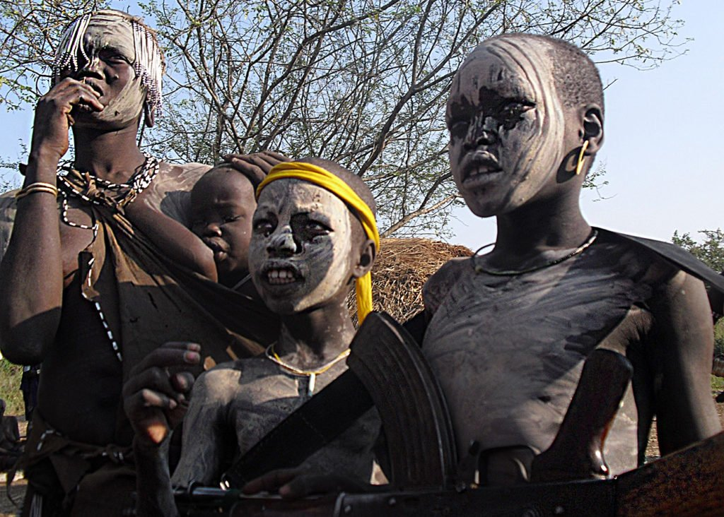Mursi-bambini-Omo-Valley-Etiopia-Africa-tribes