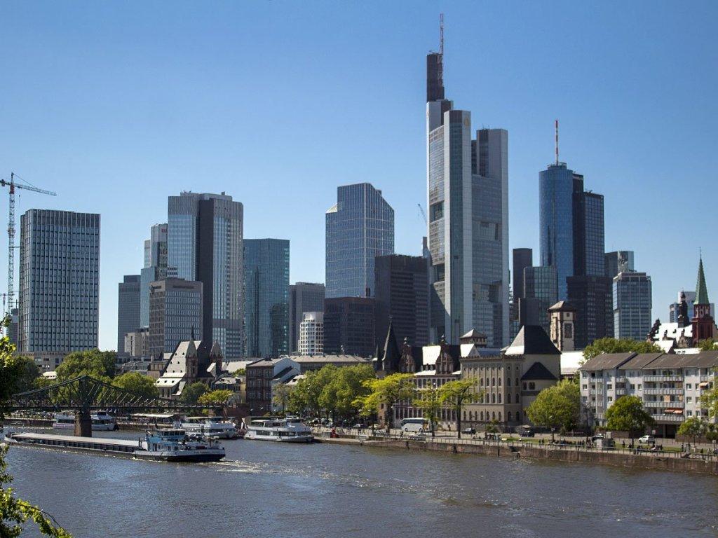 Francoforte-Frankfurt-Germania-Germany-Europa-skyline Francoforte-francoforte dal fiume