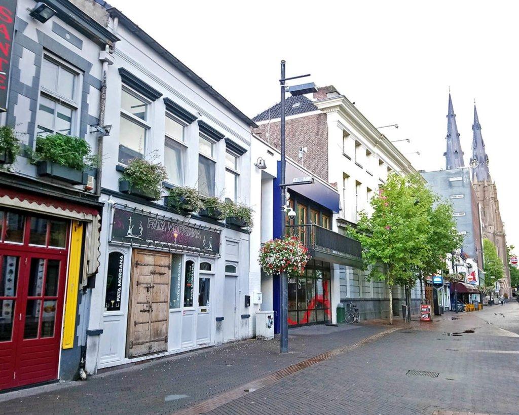 Eindhoven vie dei locali-Olanda-Holland-Europa-Europe