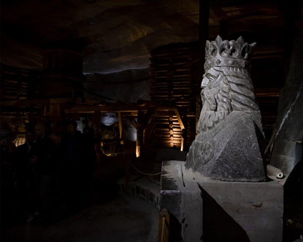 statue-miniere-di-sale-cracovia-polonia-Poland-Krakow
