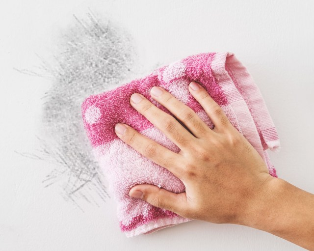 How To Clean Walls Without Removing Paint - E&B Carpet Cleaning