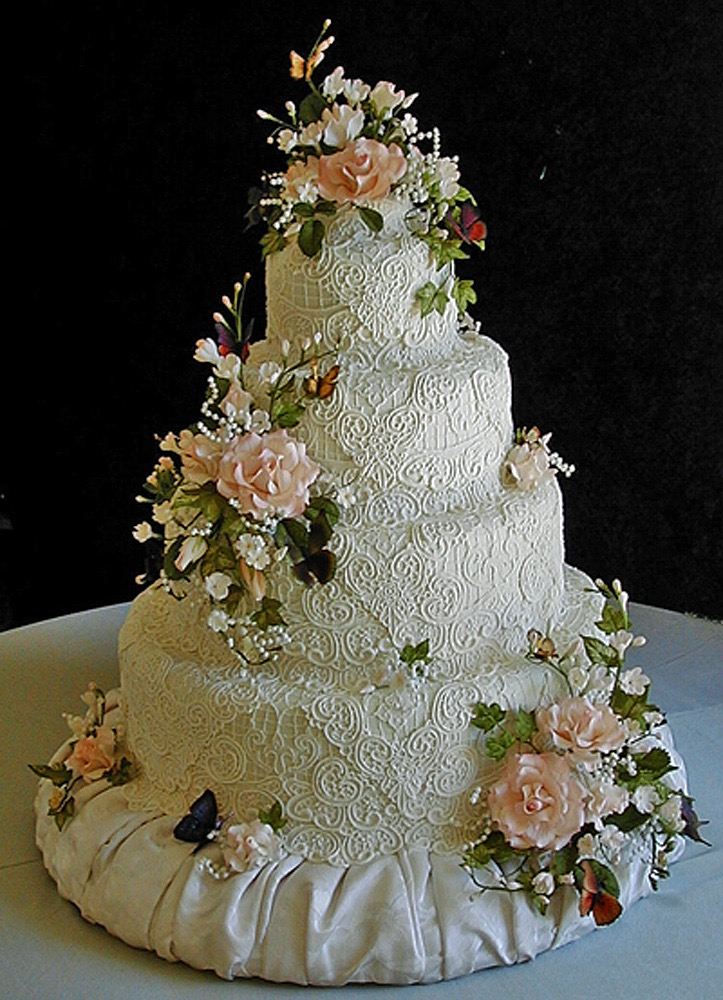 Sugar Lace Flowers And Butterflies Made This Cake Stunning